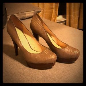 Guess Scaled Heels